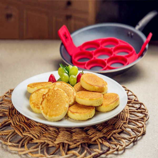 Silikonová forma na lívance a omelety s úchyty