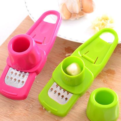 Malé struhadlo na česnek vyrobené z plastu a kvalitní nerezové oceli