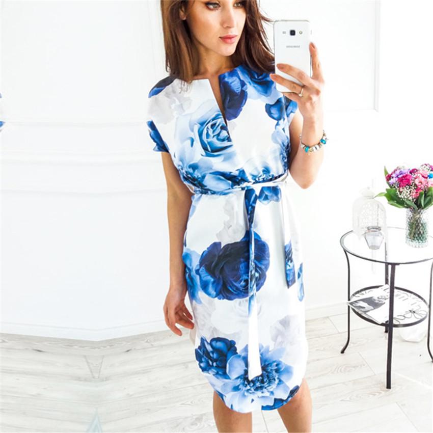 Letní šaty s krátkým rukávem a s páskem v pase modré