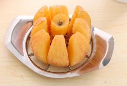 Nerezový kráječ na jablka velikost 15 cm